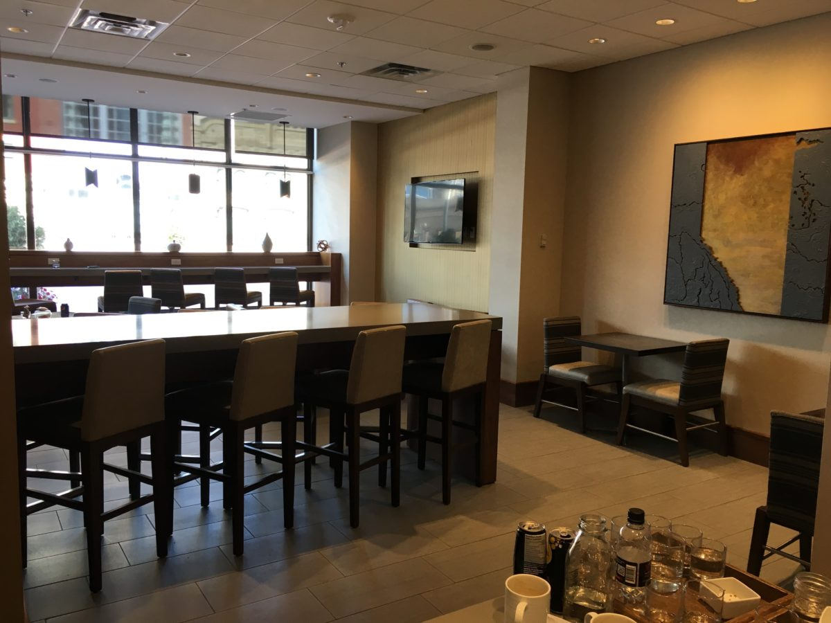 Review M Club Lounge At Calgary Marriott Downtown Hotel